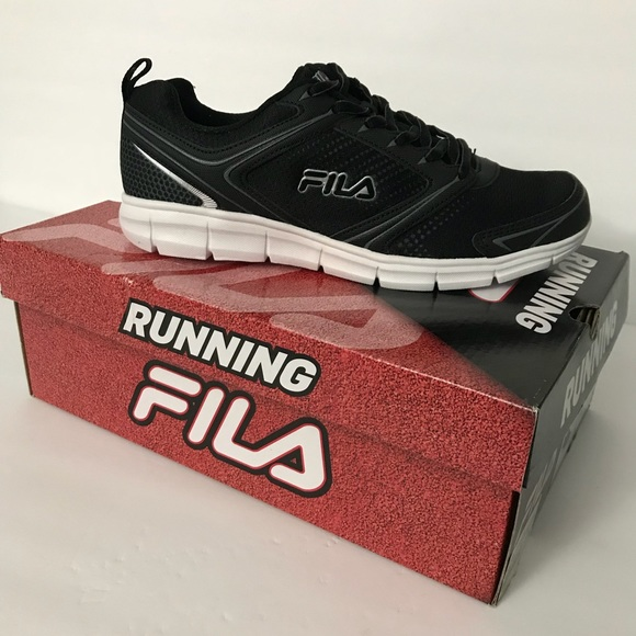 f765e3306bf6 Fila Men s Windstar 2 Running Shoe Black size M8